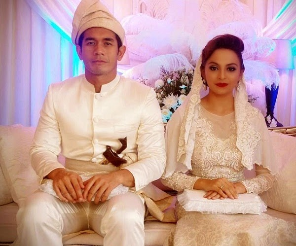 17 Gambar sekitar majlis pernikahan Fahrin Ahmad dan Sara Ali