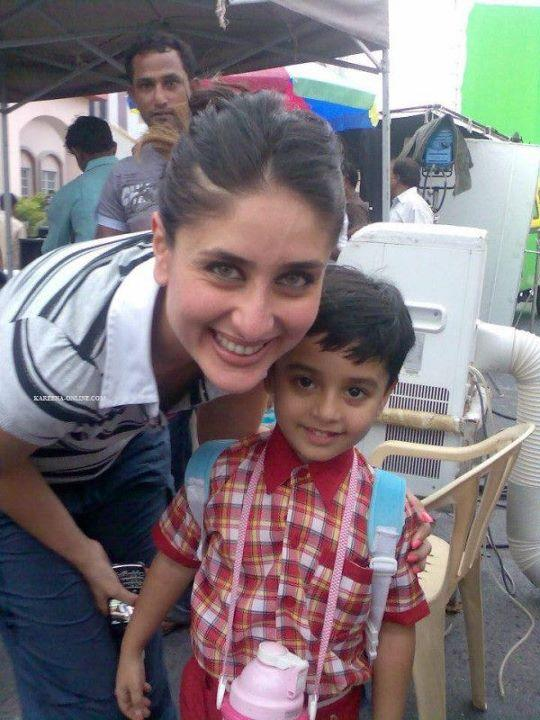 Kareena Kapoor real life pic with kid1 - Kareena Kapoor Real Life Pic