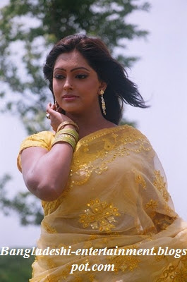 Bangladeshi-film-actress-Nipun