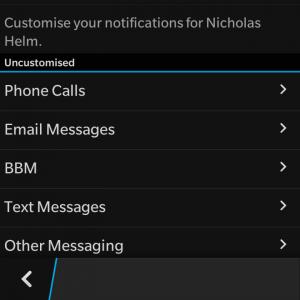 La personalización es una característica en que BlackBerry siempre ha sobresalido en los dispositivos existentes, en todo el camino hasta el día actual y BlackBerry 10 . La personalización de contactos es un buen ejemplo de ello. aunque no se use para todos los contactos, es bueno tener un tono de llamada o uno de mensaje único para algun cantacto en espesifico para saber quién es y sin siquiera tener que mirar el BlackBerry. Personalización de los contactos es muy fácil. Sólo tienes que seguir estos sencillos pasos: Abrir las opciones settings (deslizar hacia abajo desde el bisel superior de