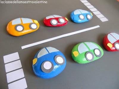 coches hechos con piedras