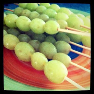 http://tinagray.me/frozen-grapes/