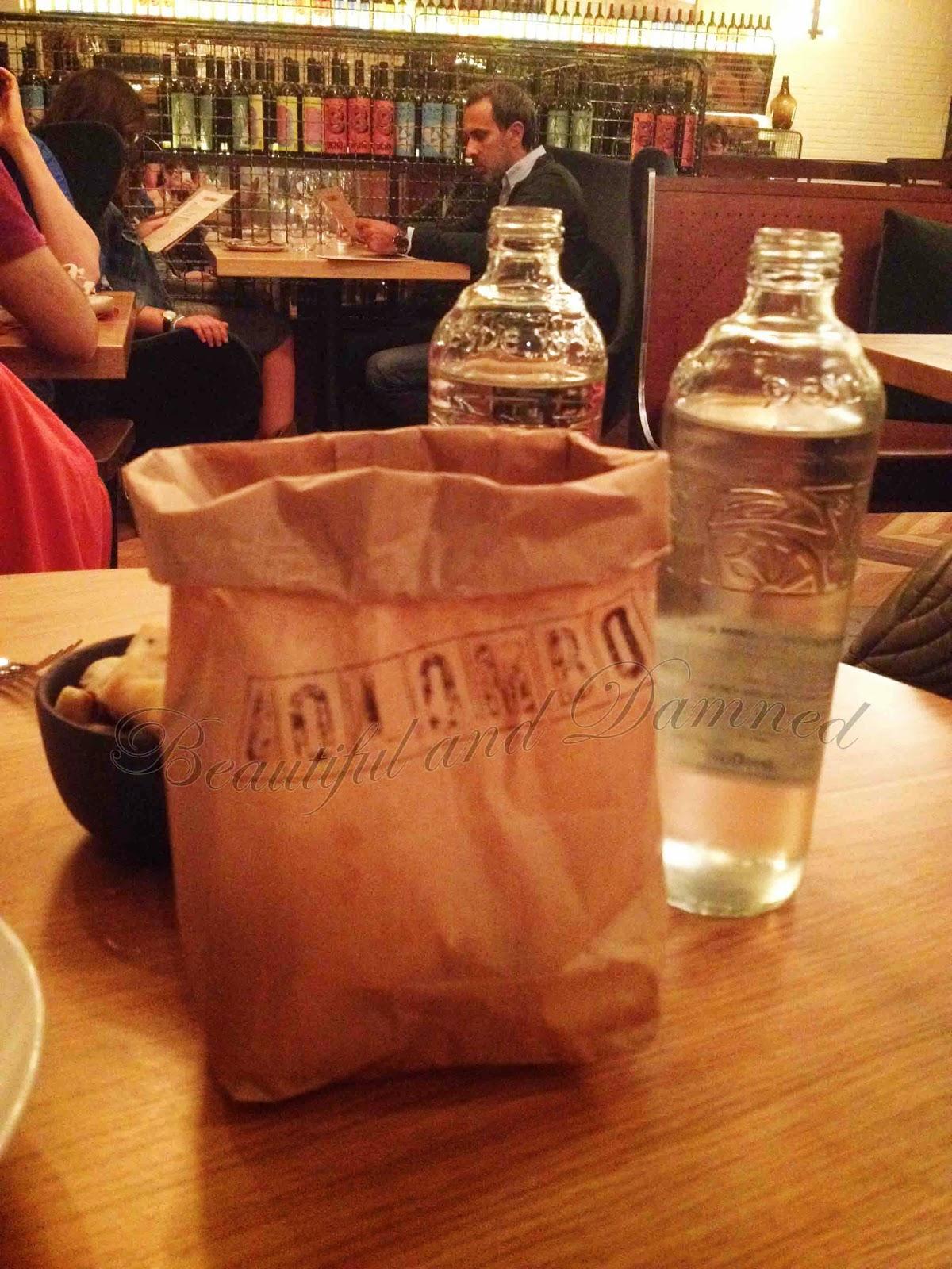 Detalle de la bolsa de pan