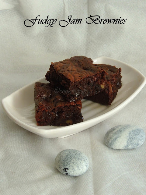 Strawberry jam fudgy brownies, Jammy brownies