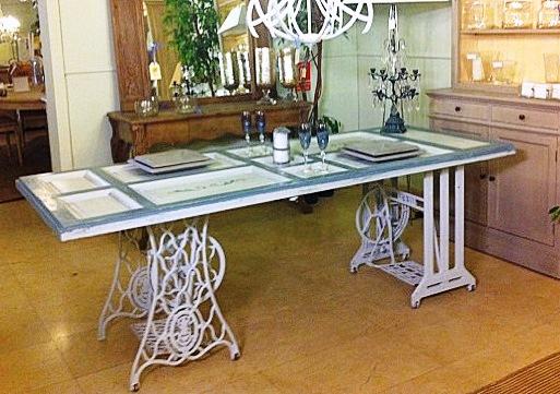 Mesas de comedor y desayunadores hechos con bases de for Mesas con puertas antiguas