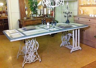Maquina de coser buscar mesas de maquinas de coser antiguas for Mesa para maquina de coser