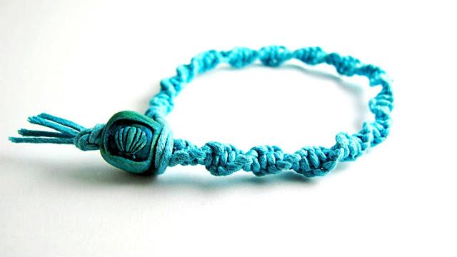 Free Jewelry Making Tutorial Macrame Bracelet by Beth Hemmila Hint Jewelry