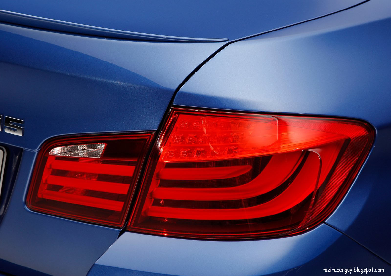 http://3.bp.blogspot.com/-kZK93HRNq94/Tfs6faZ0FeI/AAAAAAAAAjg/sMPBhaLvnQA/s1600/BMW-M5_2012_1600x1200_wallpaper_8c.jpg