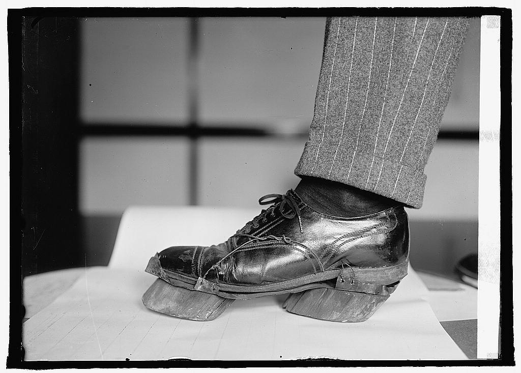 25 Breathtaking Photos From The Past - Cow shoes used by Moonshiners in the Prohibition days to disguise their footprints, 1922