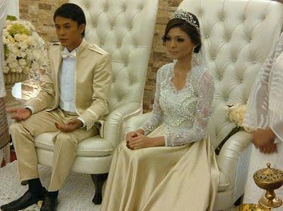 Gambar Perkahwinan Zahiril Adzim dan Shera Aiyob