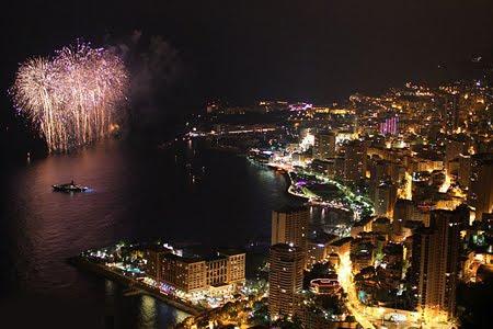 Монако празнува сватбата на принц Албер и принцеса Шарлийн