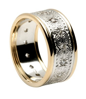 Newgrange Diamond Set Top Wedding Ring Posted by 010 at 1141 AM