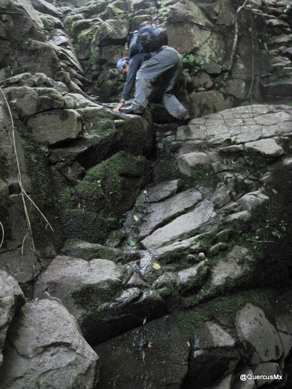 Descendiendo cascadas del Arroyo El Mante en Cerro Viejo