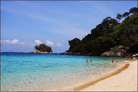 Pulau Tioman - Daftar Tempat Liburan di Malaysia