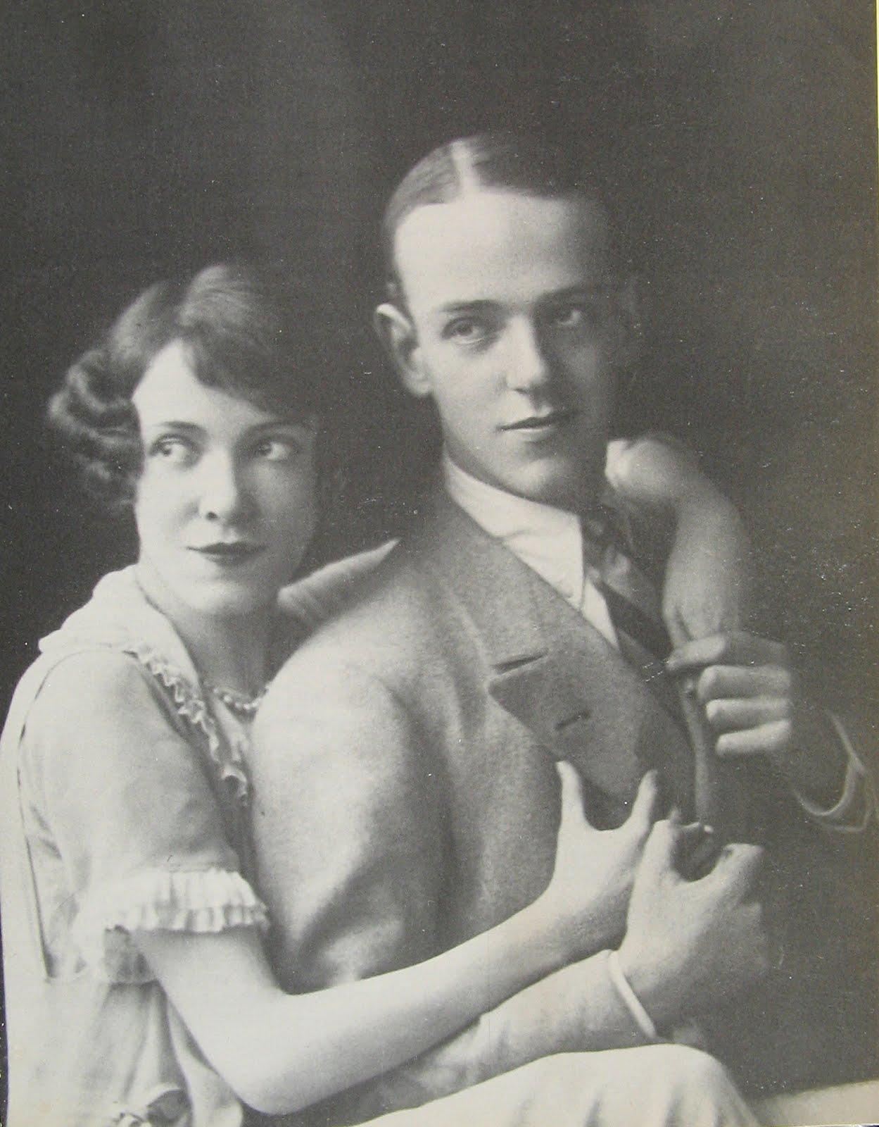 http://3.bp.blogspot.com/-k_Xn1FALmN0/UE9bHHXpMPI/AAAAAAAAFIY/3nil9Wo1geg/s1600/Fred_and_Adele_Astaire_in_1919.jpg