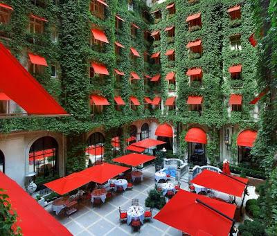 Hotel Plaza Athénée en París