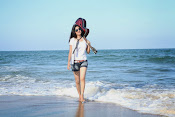 Actress Poonam Kaur latest Hot Photos at Beach-thumbnail-8
