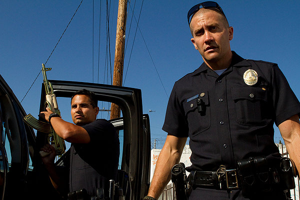 MOVIE REVIEW: END OF WATCH - GREEN TEA MOVIE!!