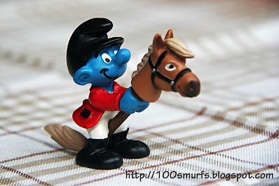 Смурф на лошади