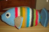 http://translate.googleusercontent.com/translate_c?depth=1&hl=es&rurl=translate.google.es&sl=en&tl=es&u=http://mamitaquerida.blogspot.com.es/2009/06/crocheted-fish.html&usg=ALkJrhgddwC5VvTZUwdkcMlh942Akh1sbw