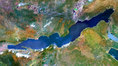 Lake Tanganyika, an African Great Lake divided between four countries: Burundi, Democratic Republic of the Congo (DRC), Tanzania, and Zambia (© Planet Observer/Getty Images) 466