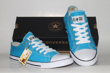 Sepatu Converse Tosca