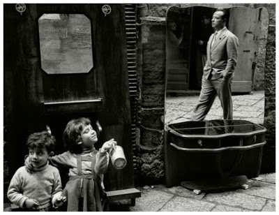 http://kvetchlandia.tumblr.com/post/114291191483/herbert-list-naples-italy-1959#notes
