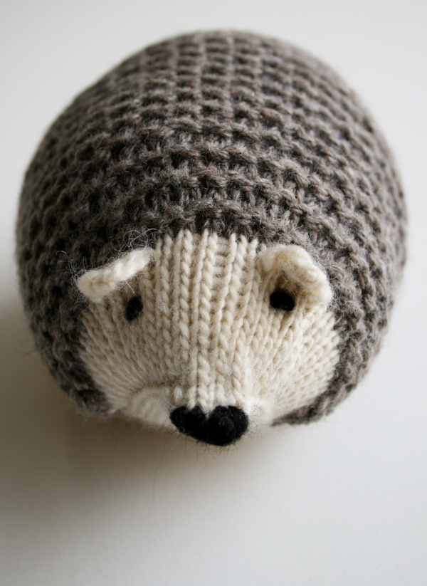 Small Hedgehog Knitting Pattern : Jennifer and Eds Blog: May 2013