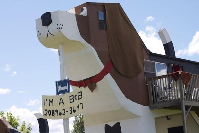 A Dog Shaped Hotel in Idaho