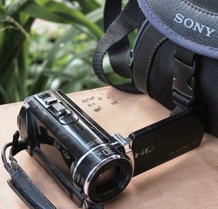 harga Sony HDR-CX210E