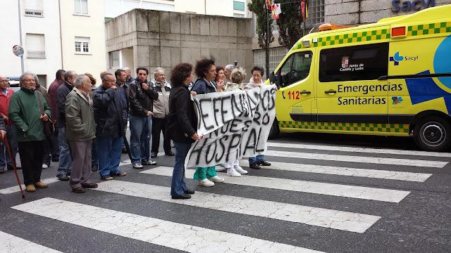 manifestación frente al hospital bejarano