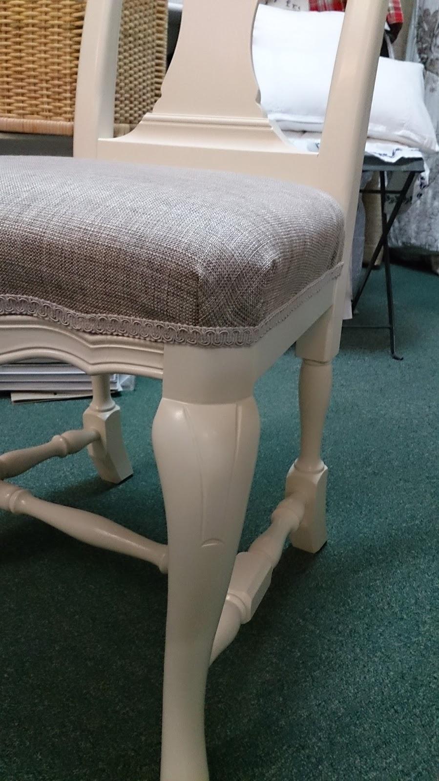 Birgits gardiner og utstyr: Omtrekking av spisestue stoler