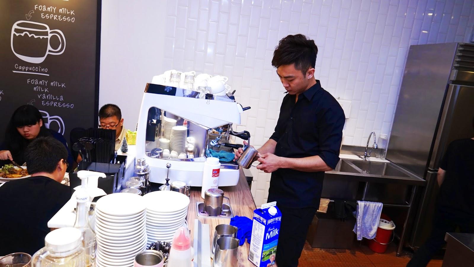 香港 新蒲崗 Mikiki Karena Cafe 3D拉花 咖啡 晚餐