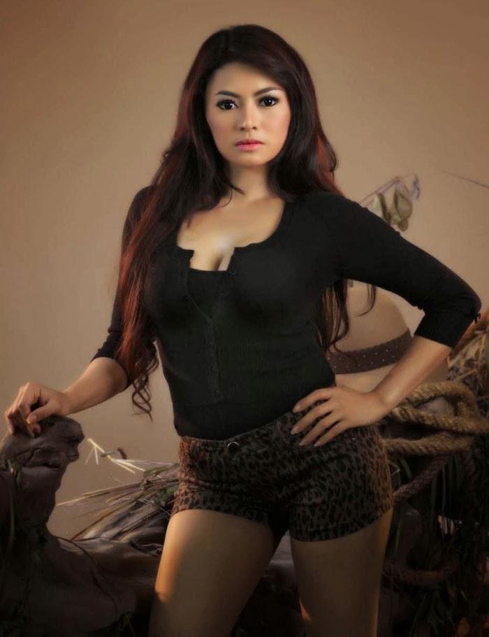 , Model cantik dan juga pintar Vitalia Shesya model majalah male ...
