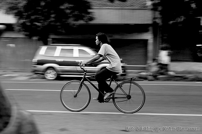 Street Photo In Jendral Sudirman || Fotogarfer & Editing By : Vishnu Darmawan ( Klikmg ) Fotografer Purwokerto