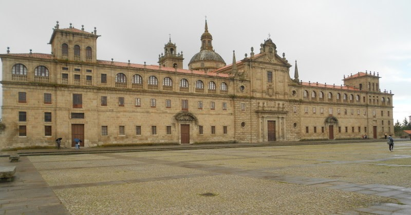 Iniciarte Colexio Do Cardeal En Monforte A Arquitectura