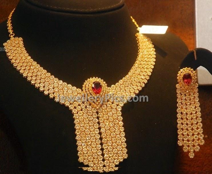 chakri diamond floral necklace.