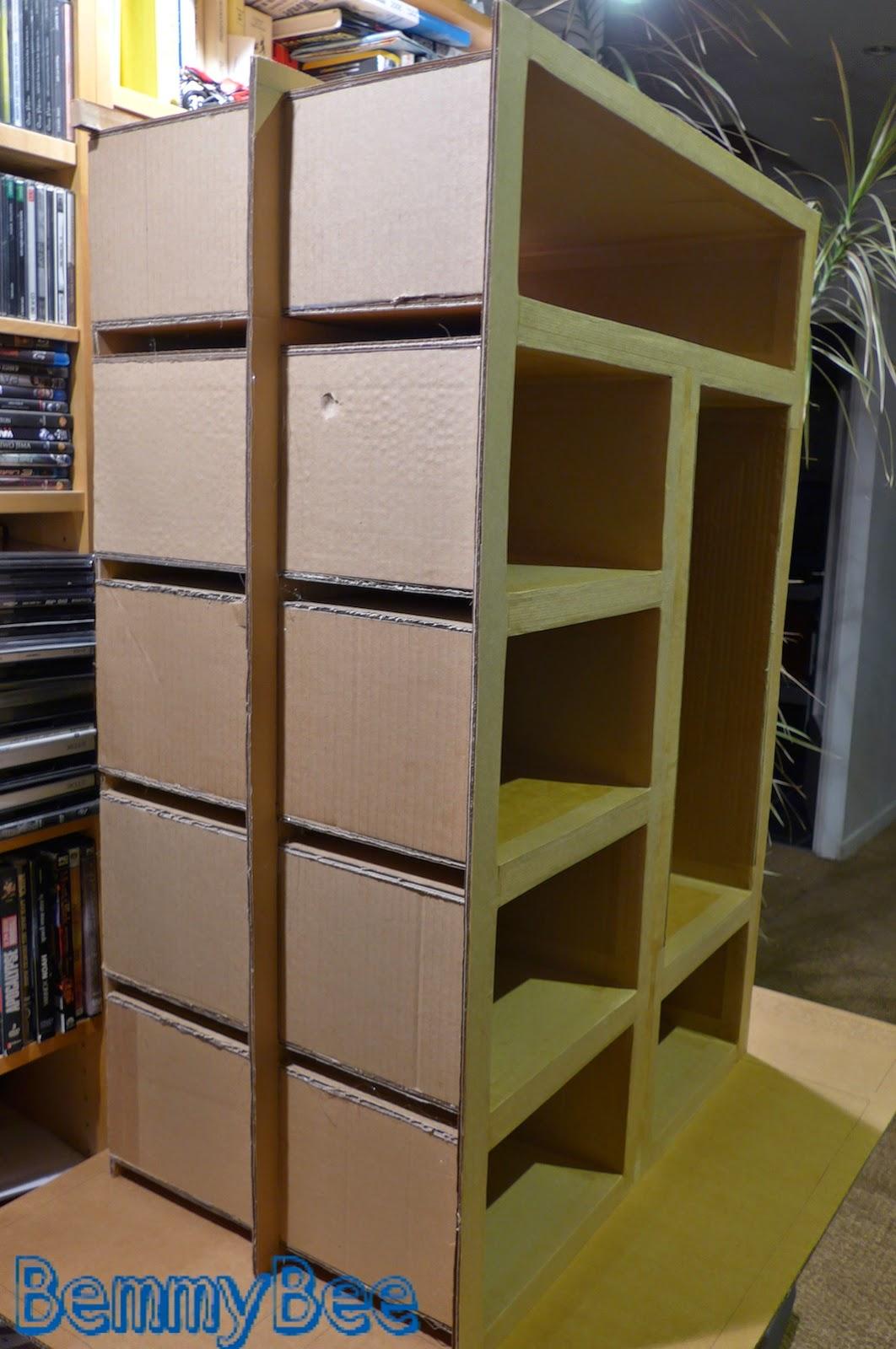 armoire en carton
