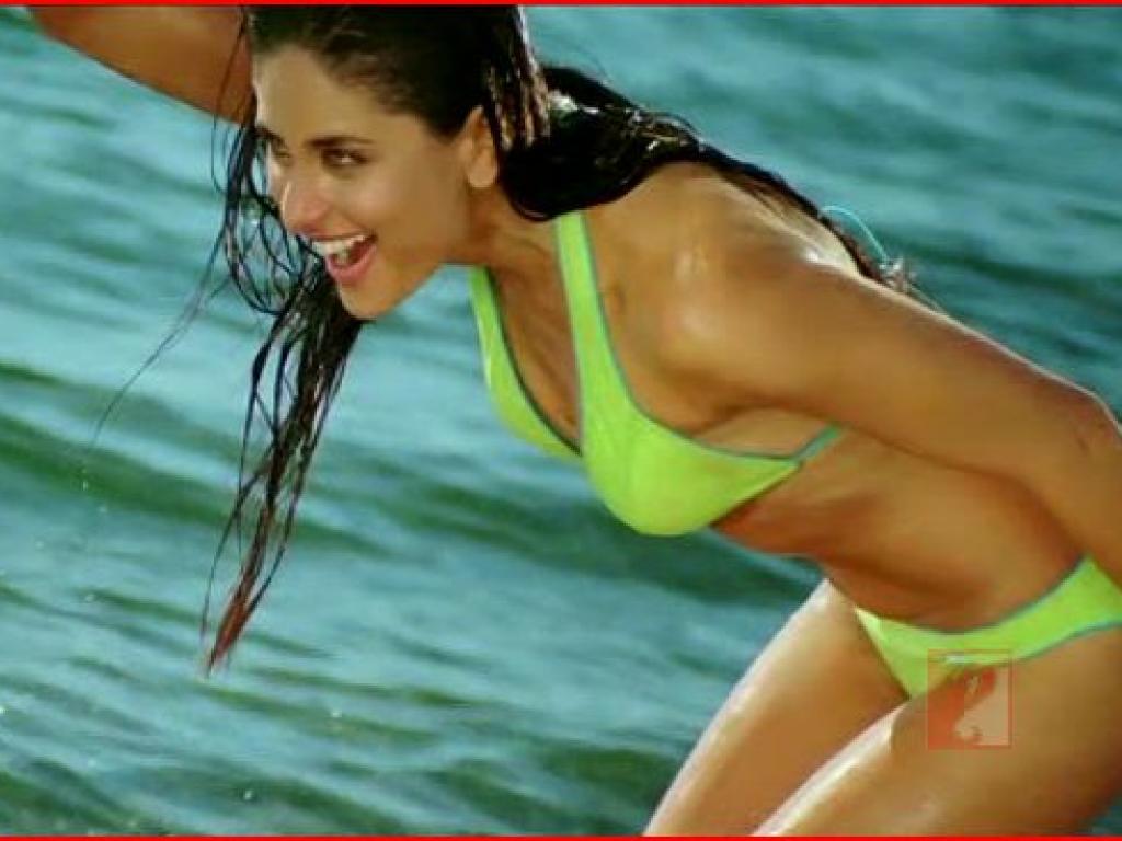 Bikini photo of kareena kapoor