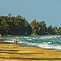 Wer braucht da Liegen: Ban Krut Beach