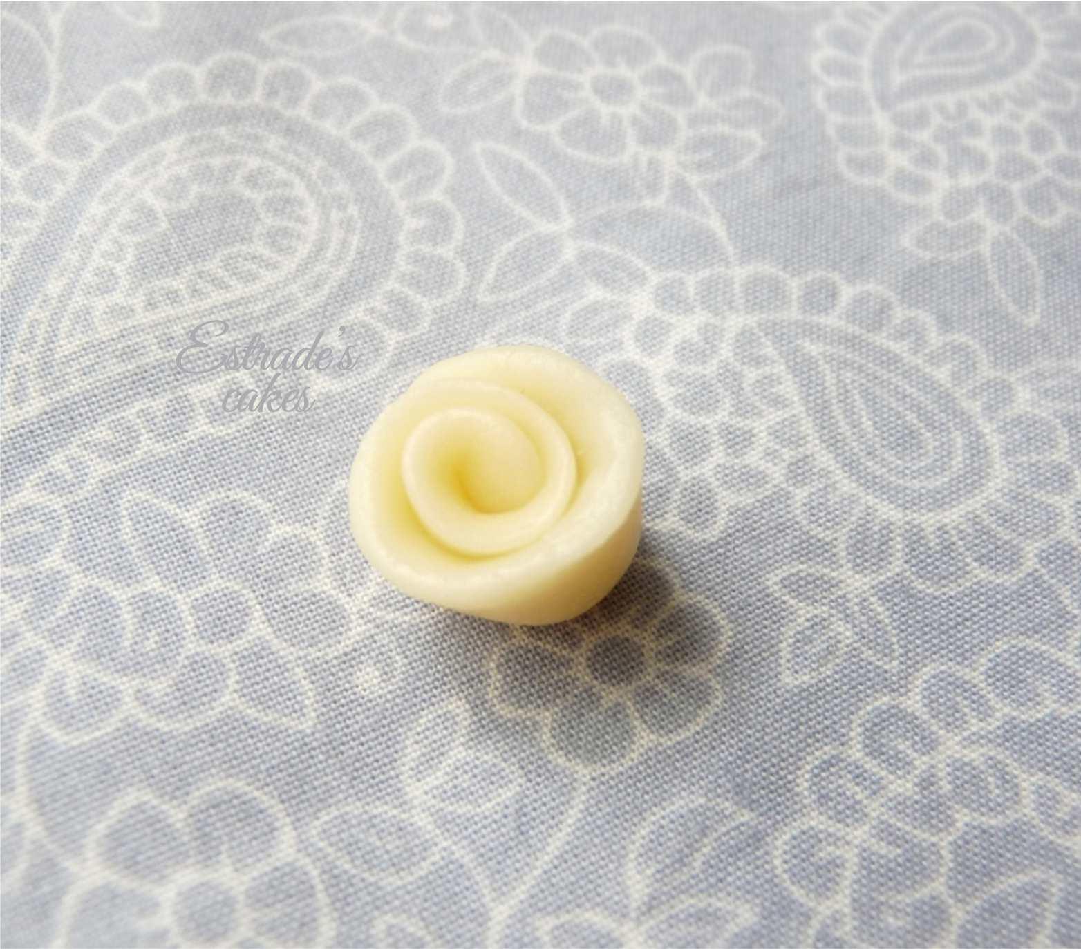 chocolate plástico de modelar blanco, prueba 6 - flor