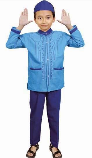 Hasil gambar untuk cara membeli baju muslim yang sesuai dengan anak