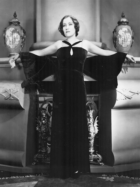 Gloria Swanson in Coco Chanel dress