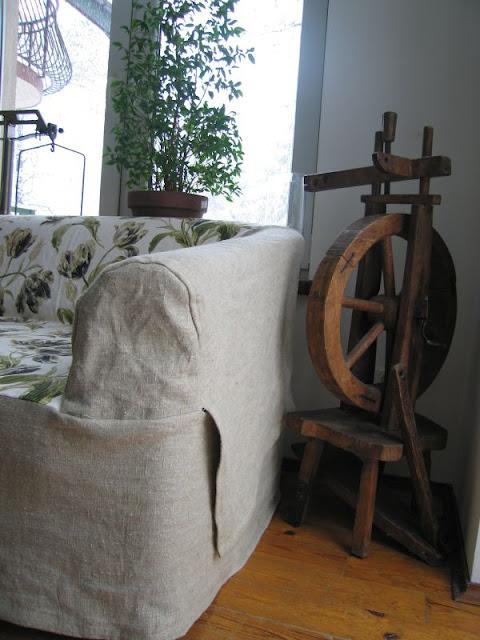 sofa i kołowrotek