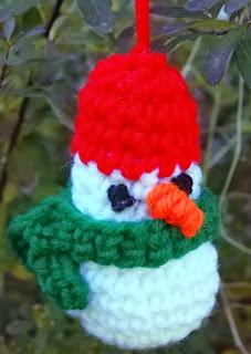 http://translate.googleusercontent.com/translate_c?depth=1&hl=es&rurl=translate.google.es&sl=en&tl=es&u=http://crochetvolution.com/winter-2013/simple-snowman-ornament&usg=ALkJrhg8AOKsIanMqgbdw1wgaKgxJkCE8w