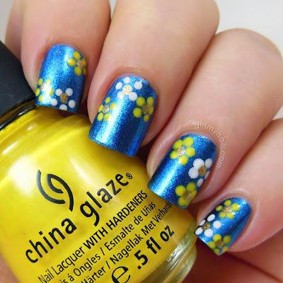dot flower nail art