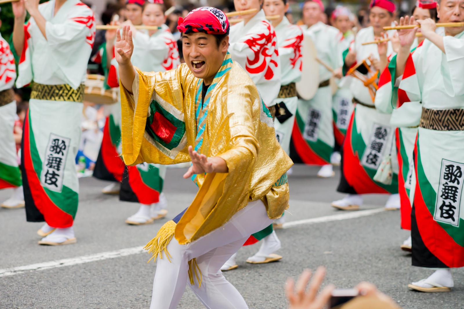 高円寺阿波踊り 江戸歌舞伎連のやっこ凧役の方の素手踊り