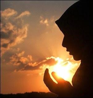 Berdoa juga salah satunya cara mengatasi atau menghilangkan stres menurut agama