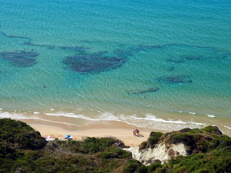 Der nördliche Bereich des Strandes von Arillas (Nordwesten Korfu, Griechenland)