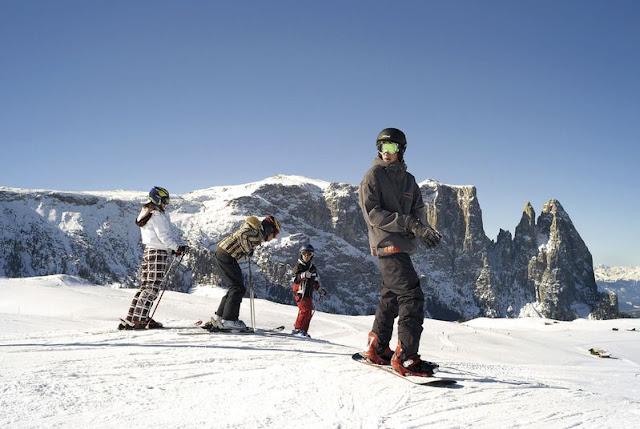 Mit die überwältigenden Panorama des Schlerns im Hintergrund macht das Skifahren und Snowboarden gleich doppelt Spaß!